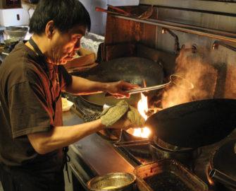 Jeff Lee cooking